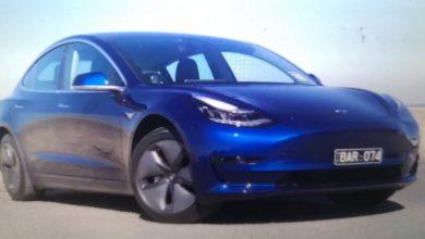 Photo of Tesla na autopilotu zabio se u policijski automobil dok je vozač gledao film