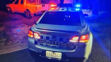 Photo of Policija odaje počast jednom od poslednjih patrolnih automobila na autoputu Holden Commodore SS